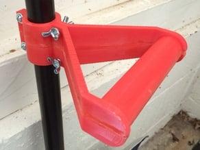 Side handle for snow shovel
