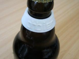 Bottle clip name tags for DIN 6199 beer bottles