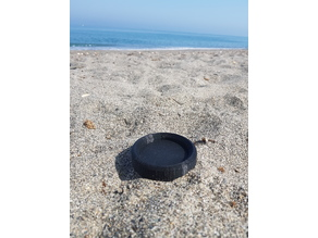 Cans holder for the beach