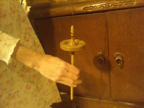 Drop Spindle, for making yarn from raw fiber