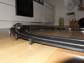 Banked curve support for slot car Scalextric 1:32