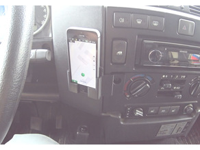 phone holder in the Land Rover Defender