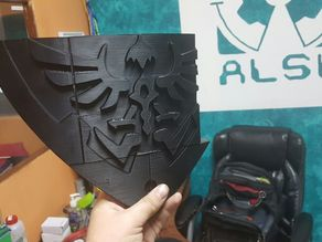 Link's Hylian Shield with Lulzbot Mini by chepecarlos
