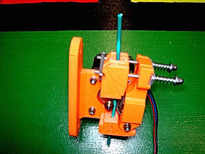 A direct drive bowden extruder for 3mm