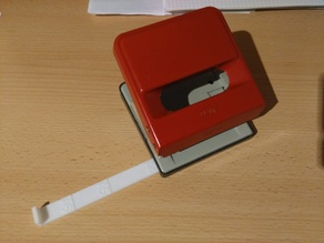 Paper guide for hole puncher