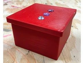 Magnetic Lid Box