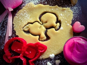 Kids Kissing Cookie Cutter (Valentine's Day Collection)