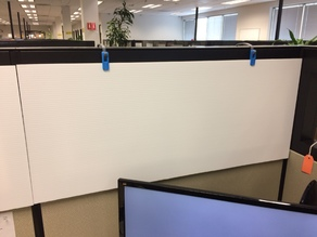 Cubicle privacy panel hinges