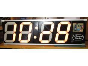 Digital-Uhr (mit Scoreboard / Luftfeuchte und Temperatur)