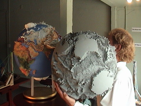 Land Globe 200x in 500,000 Facets