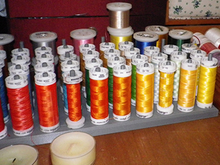 storage of sewing threads / rangement pour fils de couture/broderie
