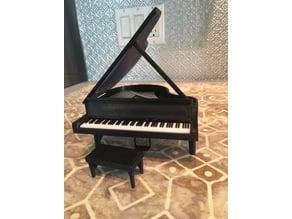 Grand Piano Model w/lid & Key cover