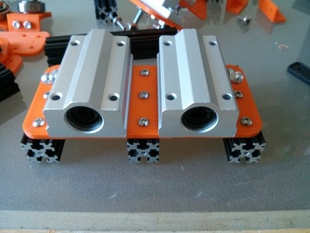 Dual Linear Bearing (large) to OpenBeam mounting plate