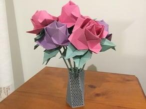 Twisted Pentagon Lattice Vase