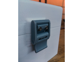 Cam latch for boxes