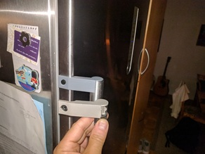 Siemens fridge freezer handle support