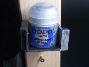 Citadel wall mount with possibility of extension and sample color box