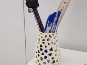 Voronoi pen and pencil holder