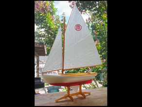 Maker 12.5 -A vintage sailboat with a Maker's twist