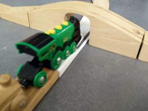 brio straight rail for electric trains to go under bridges