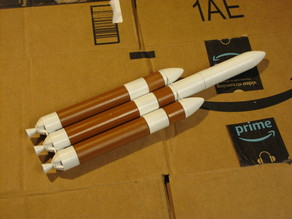 Delta IV Heavy rocket, 1/200 scale